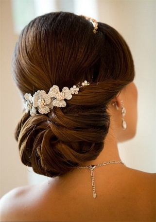 princess-wedding-bridal-updo-hairstyle-with-headpieces